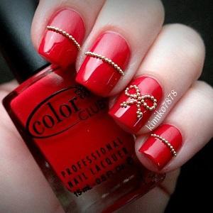 Бульонки в дизайне ногтей