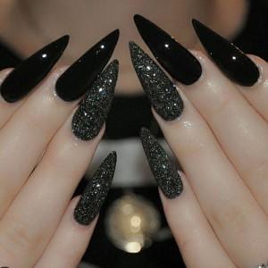 Черный маникюр на длинные ногти