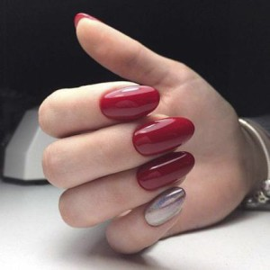 Красный маникюр на длинные ногти 2018