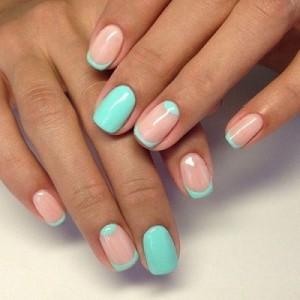 Голубой френч на короткие ногти