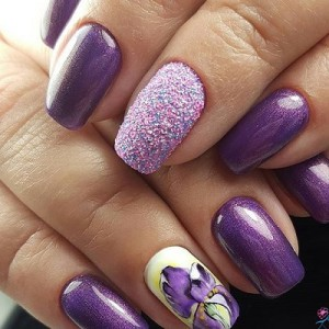 Маникюр с ирисами на ногтях